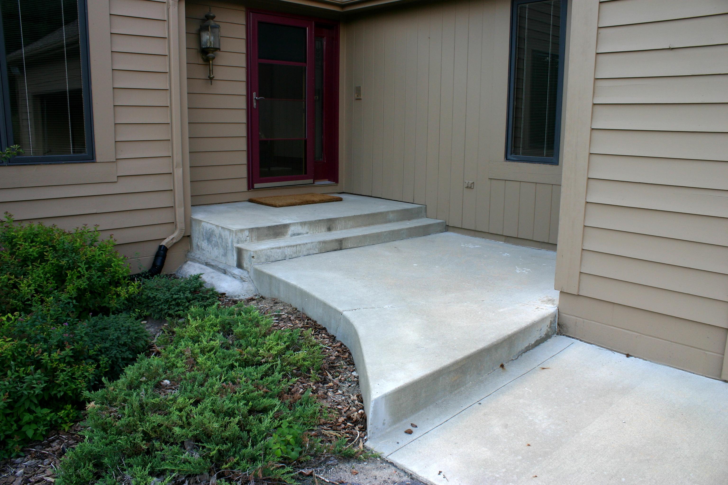 Concrete front stoop